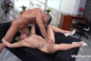 tizenévesek kemény szexpusst pisilés